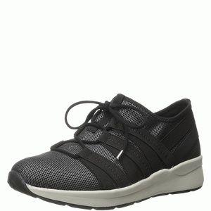 Easy Spirit Illuma Round Toe Canvas Sneaker 7.5M